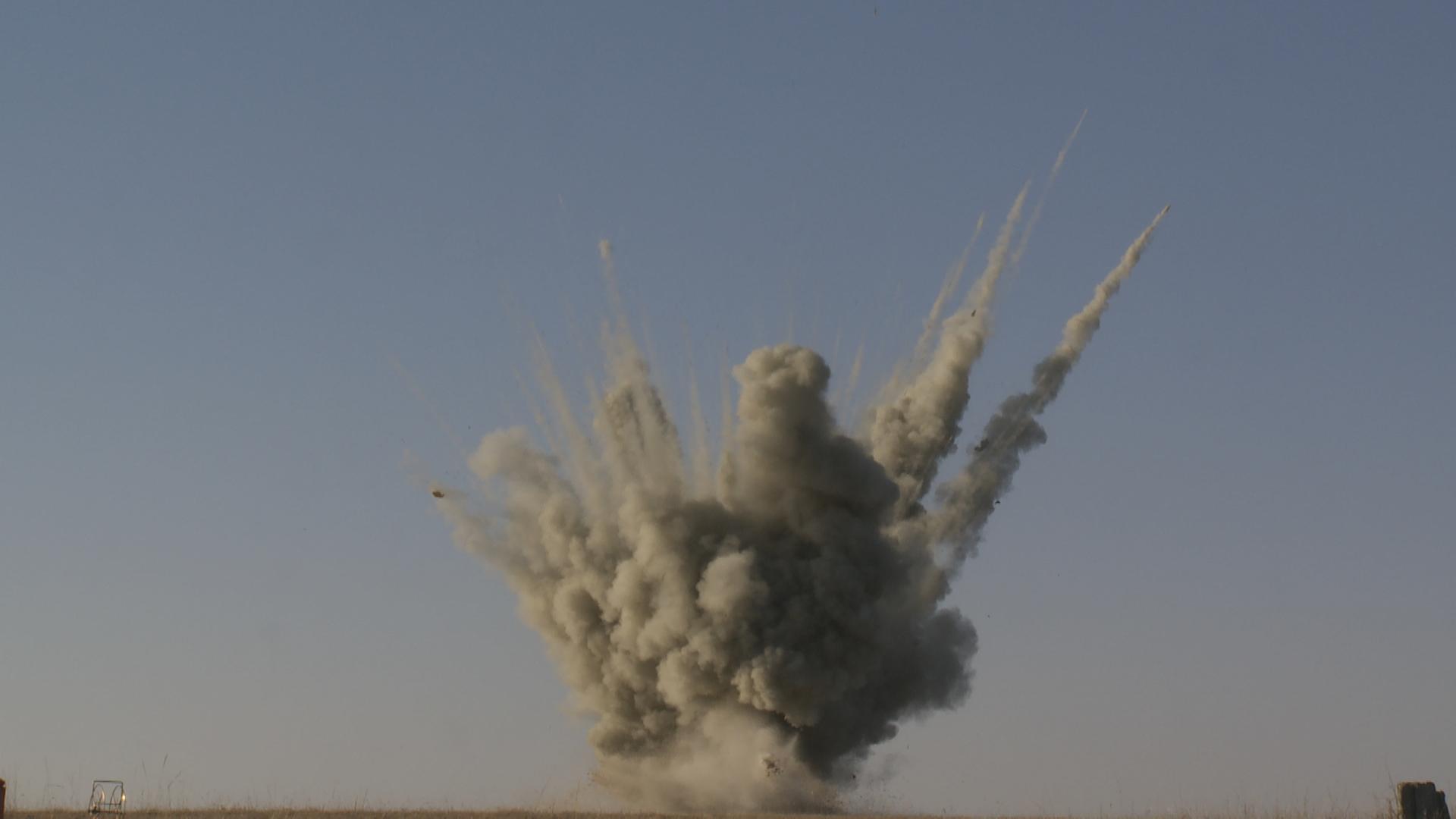 Big Explosion Png Png Image Purepng: Dirt Explosion PNG PNG Image - PurePNG
