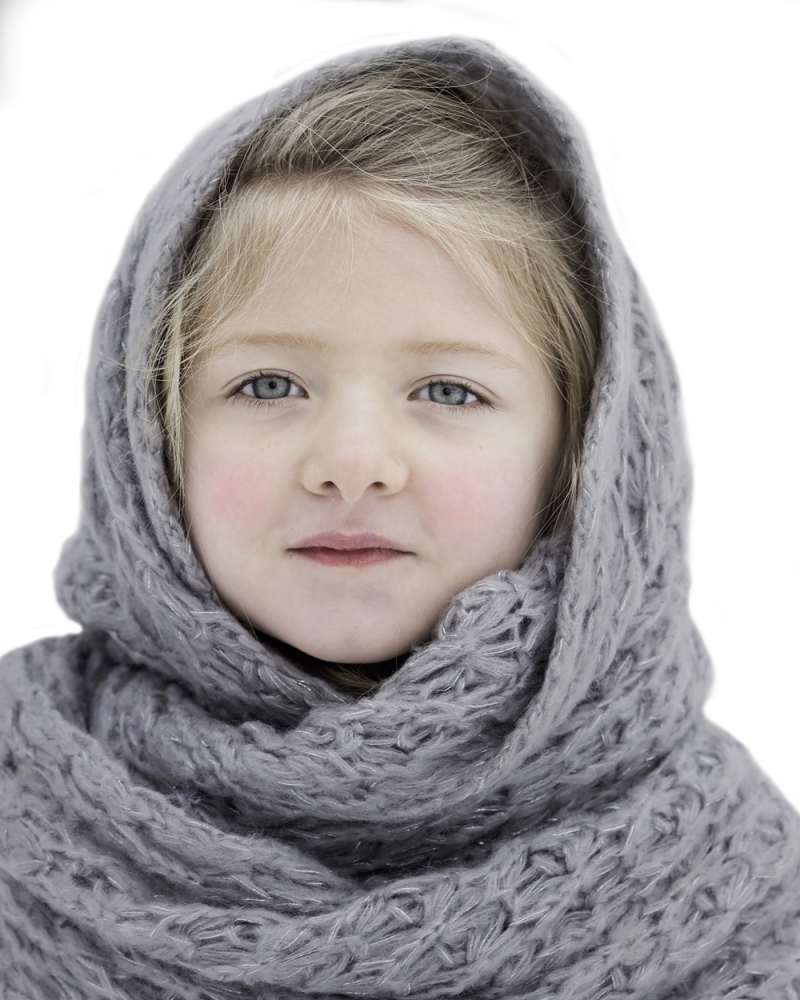 Beautiful Small Girl In Winter Cloth PNG Image
